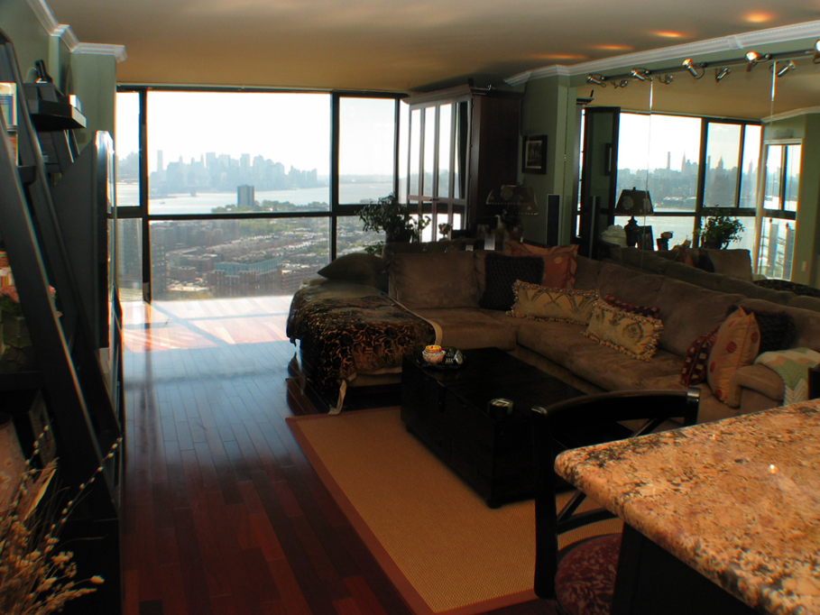 Apartmenter See hudson view realty llc